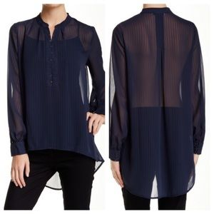 Ro & De Long Sleeve Hook-and-Eye Light Blouse blue